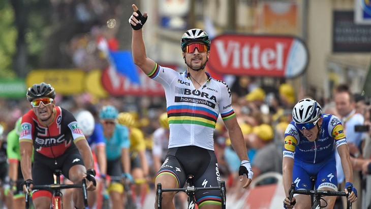 Peter Sagan of the BORA-hansgrohe team sprinted to victory, winning the world champion Rainbow Jersey for a third consecutive season.