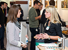 Hansgrohe HR employee with a student at the career fair.