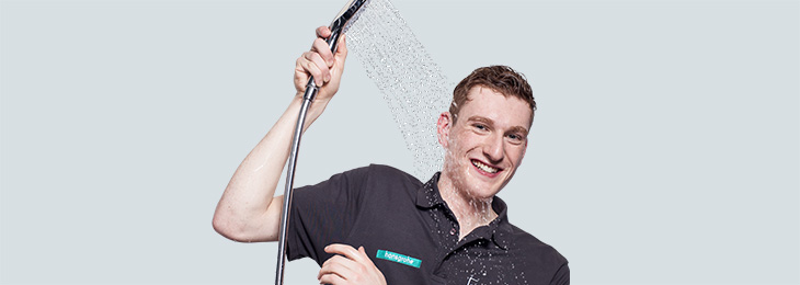 Student with Hansgrohe hand shower