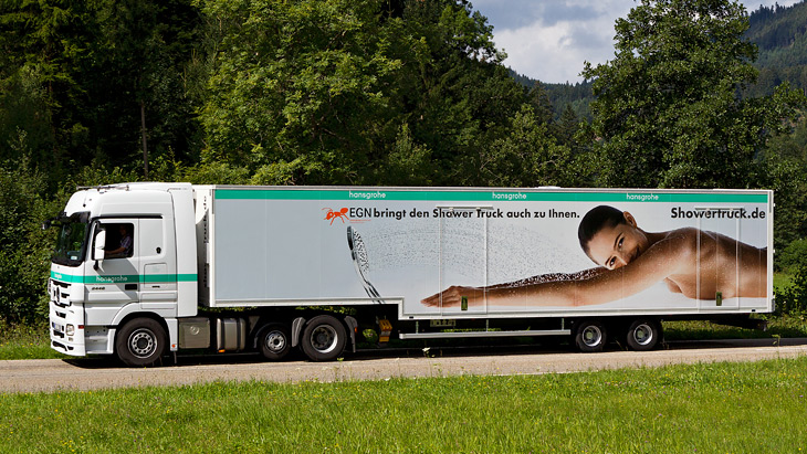 Der Hansgrohe DuschTruck Nummer 3 on the road.