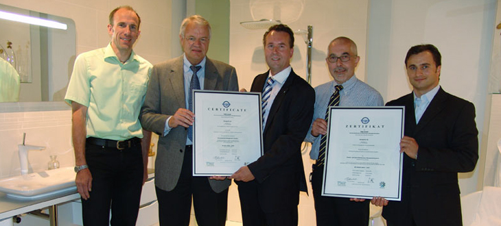 Hansgrohe AG is top in quality, environmental protection and safety. Those in charge receive the certificates.