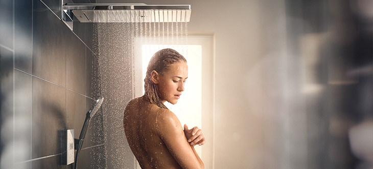 XXL feel-good showers with their extra-large showerheads are a source of pure showering pleasure.