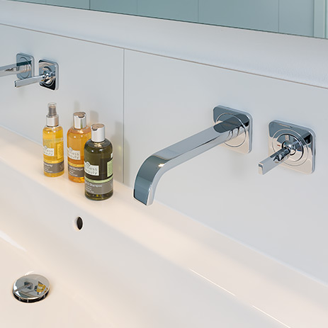 ... Tub Spout And Wall Mounted Bath Faucet.
