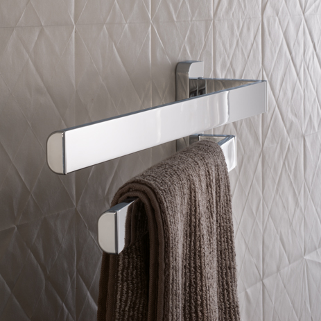 Swiveling towel rack from axor to the bathroom accessories