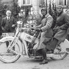 Hans Grohe and his sons: in 1934, Hans Junior (driver) becomes procurist. His brother Friedrich is his pillion partner.