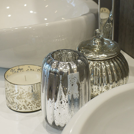 glasses and pots in antique silver - Bathroom Accessories Elegant