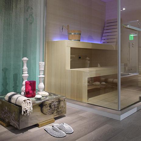 Elegant Objekte Im Ethno Stil Neben Sauna.