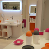 Pink, red and orange were the trend colours used for these bathroom accessories: beautiful colour accents for bathrooms. (Lineabeta)