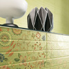 These wall tiles from Marazzi have a fine floral pattern in pastel colors (Photo: © Marazzi Group S.p.a.).