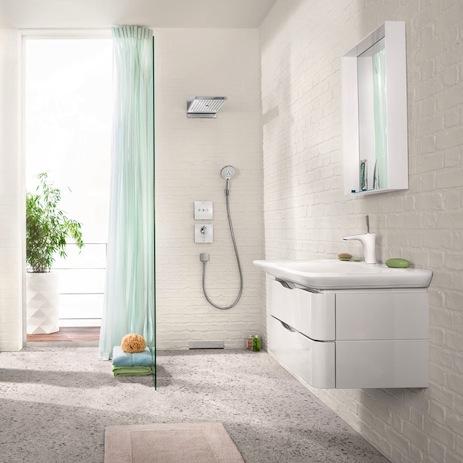 Modern Bathroom In White With PuraVida