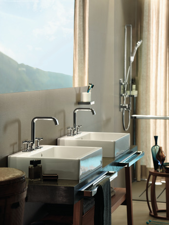 3-hole basin mixer 170 with pop-up waste set and plate