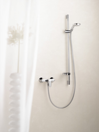 hansgrohe shower sets croma 100 croma 100 multi hand shower unica 39 c wall bar m set item. Black Bedroom Furniture Sets. Home Design Ideas