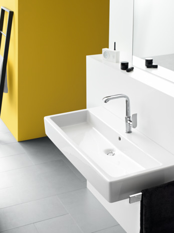 Single lever basin mixer 230 with pop-up waste set