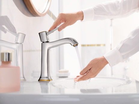 Single lever basin mixer 160 with lever handle for washbowls with pop-up waste set