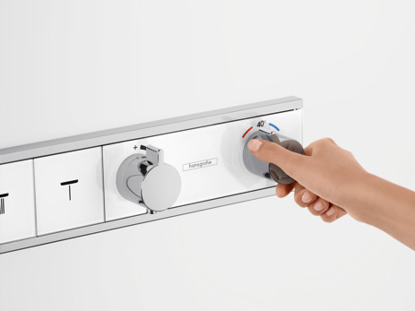 Thermostat for concealed installation for 4 functions