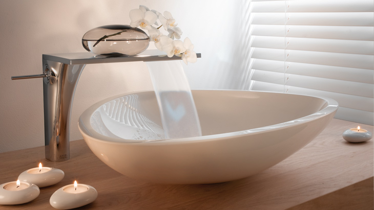 Stylish solutions for the bathroom: various wash basin scenes with mixers from the Axor brand.