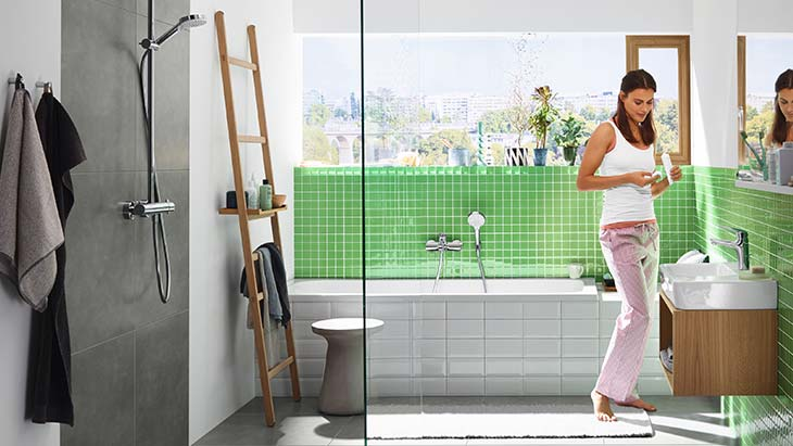 Bathroom setting featuring hansgrohe Novus.