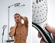 Mann under Hansgrohe Showerpipe