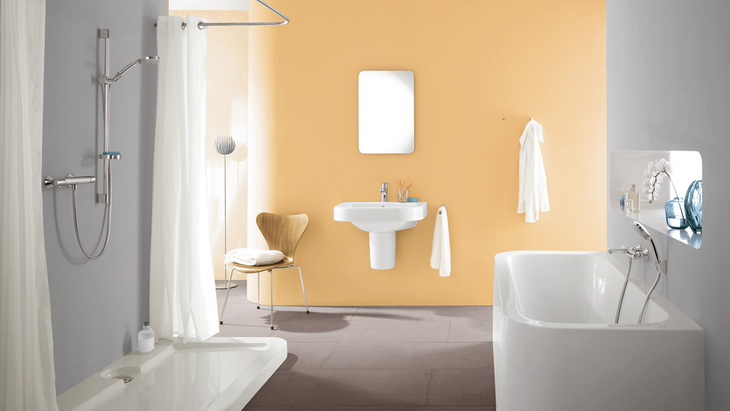 Elegant bathroom objects and timeless design create an oasis for relaxation and revitalisation.