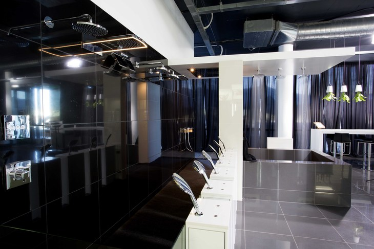 Axor and hansgrohe showroom in south africa hansgrohe int for Showroom grohe barcelona