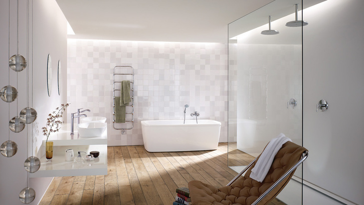 A classic, timeless bathroom dream – realized here with Metris C from Hansgrohe.