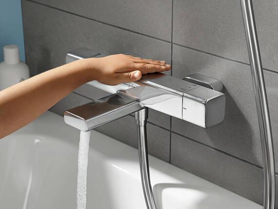 汉斯格雅浴盆温度计带有清凉的表面。