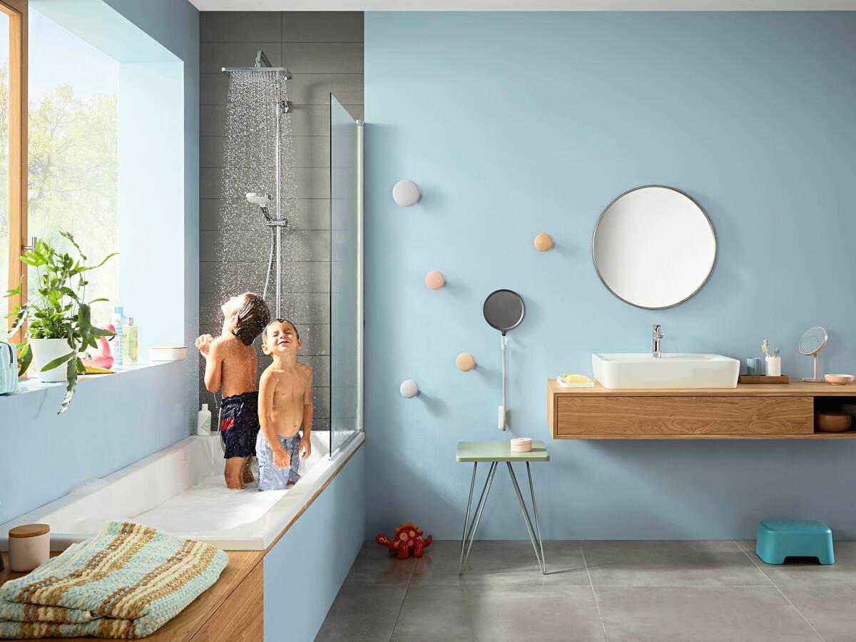 适用于浴缸的先进淋浴系统。