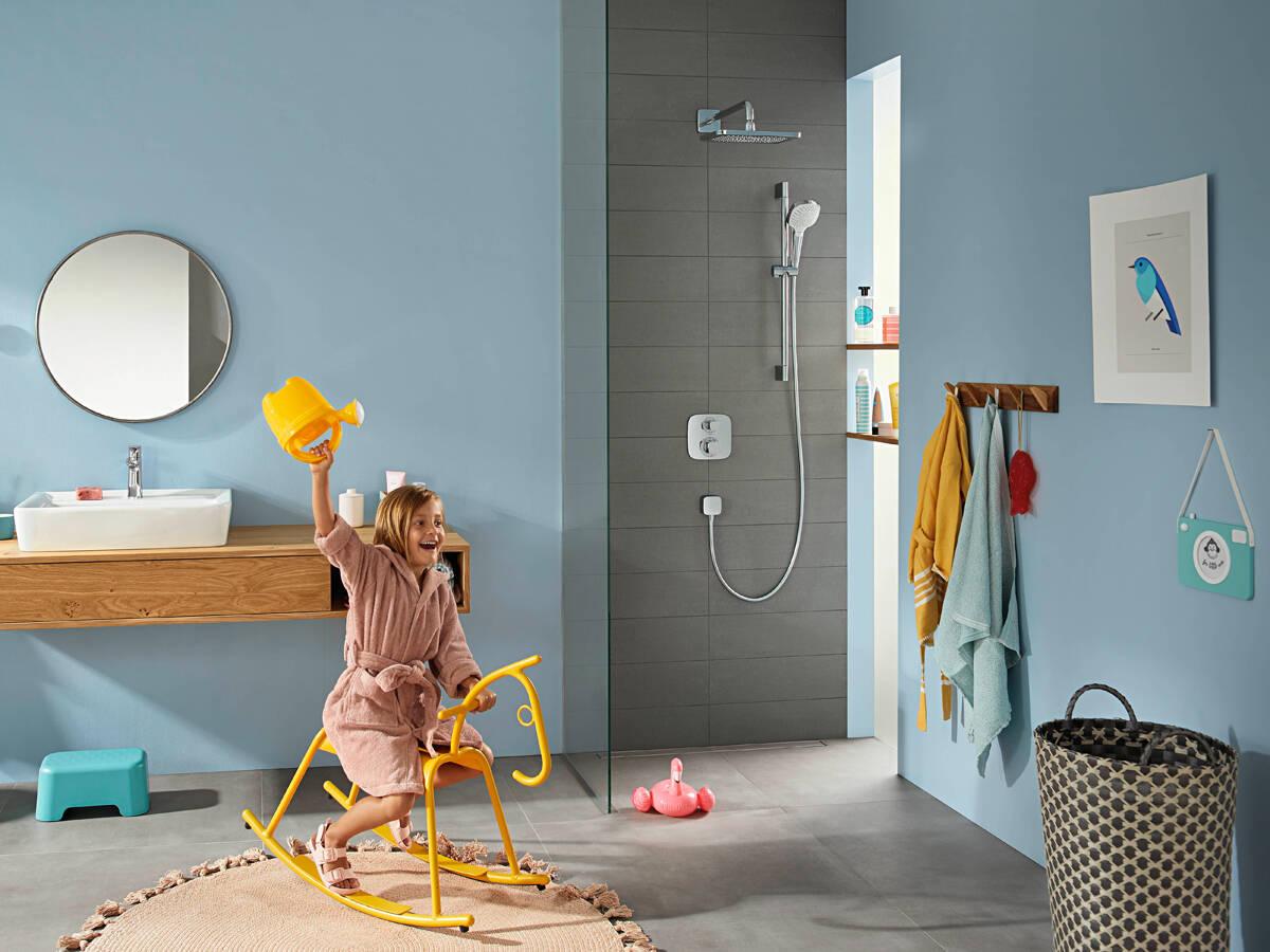 适合家庭浴室的多功能淋浴系统。
