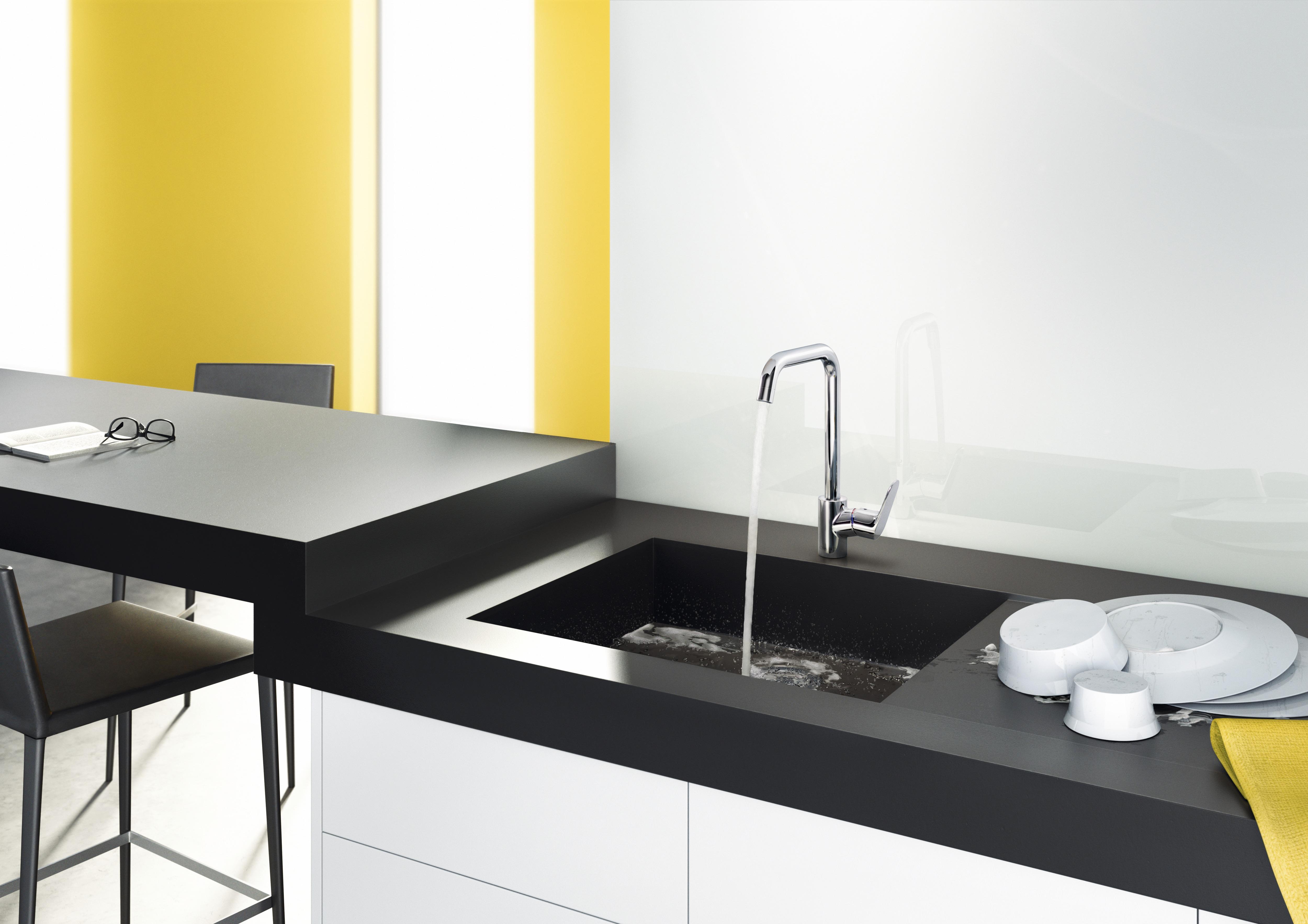 Wasserhahn In Der Küche Für Drucklose Warmwasserbereiter.