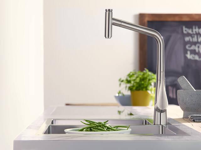 完美的厨房帮手:汉斯格雅水槽和龙头。