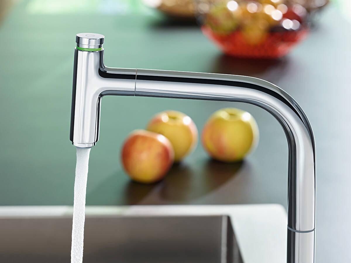 通过抽拉式出水口上的优选按钮便捷控水。
