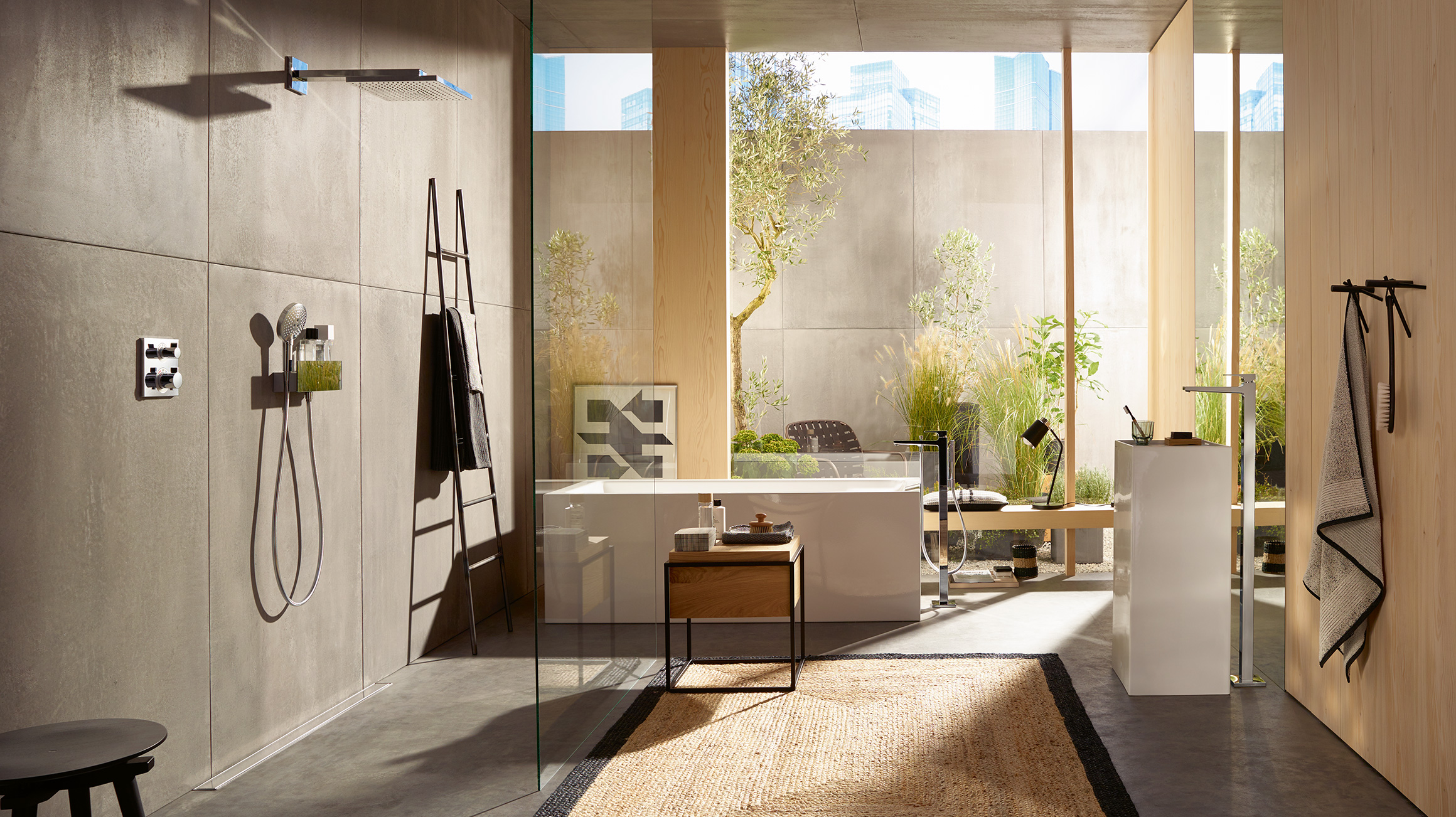 Tendenza nel bagno cemento a vista e pareti grezze effetto