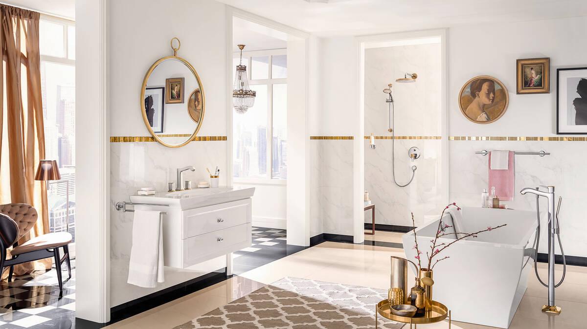 Aménager une salle de bain classique en style traditionnel ...