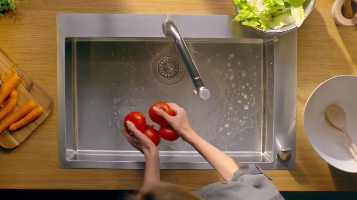 符合人体工学的水槽使日常生活变得惬意轻松。