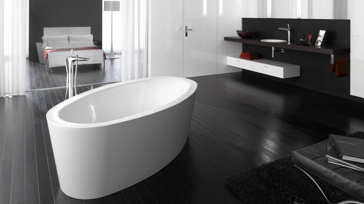 Badezimmer schwarz-weiß gestalten - Ideen und Tipps | hansgrohe DE