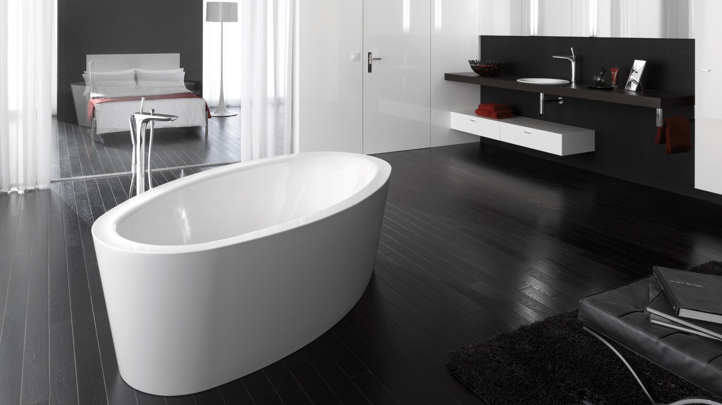 Perfekt Salle De Bain Design Classique Avec Baignoire Individuelle.