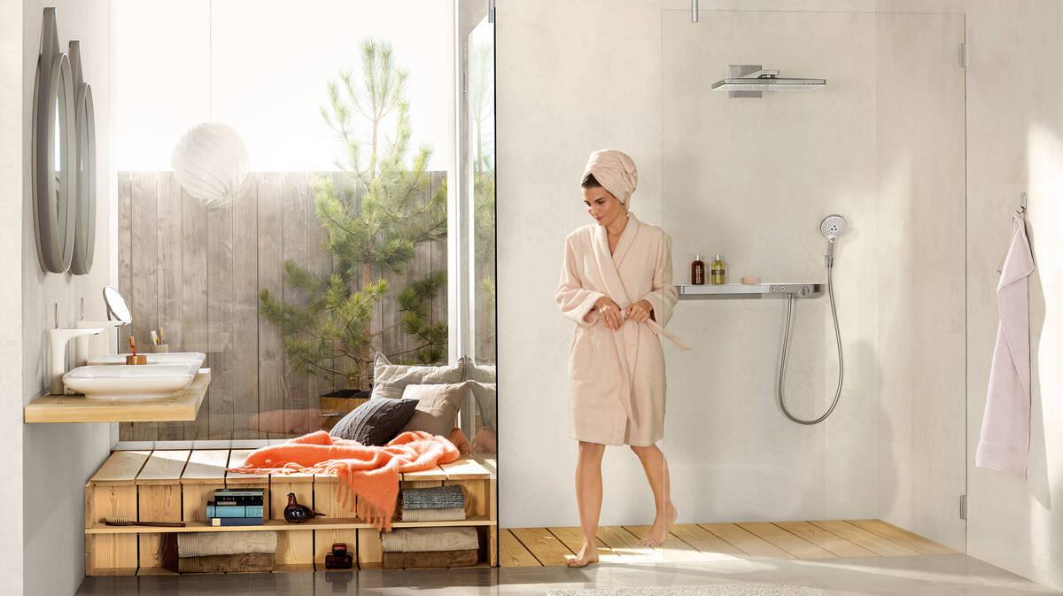 在舒适浴室里融入木质元素创意。