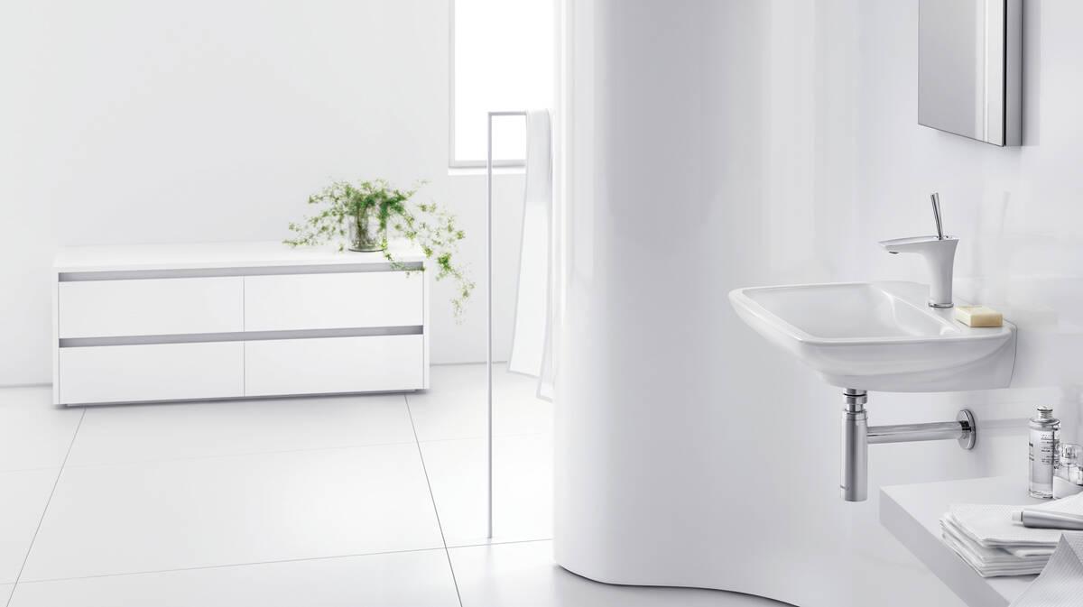 白铬复合营造前卫尊贵浴室风格。