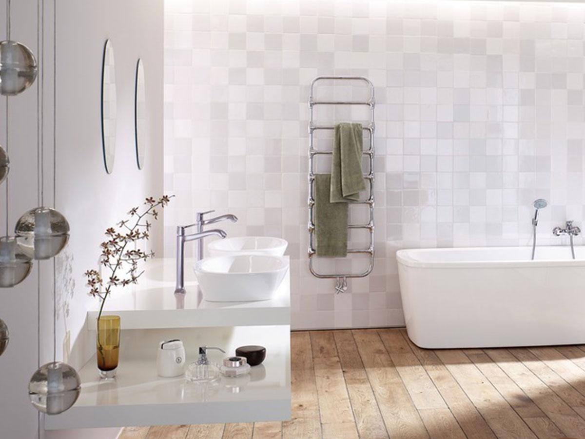 Modern contrast veel textuur de jong sanitair