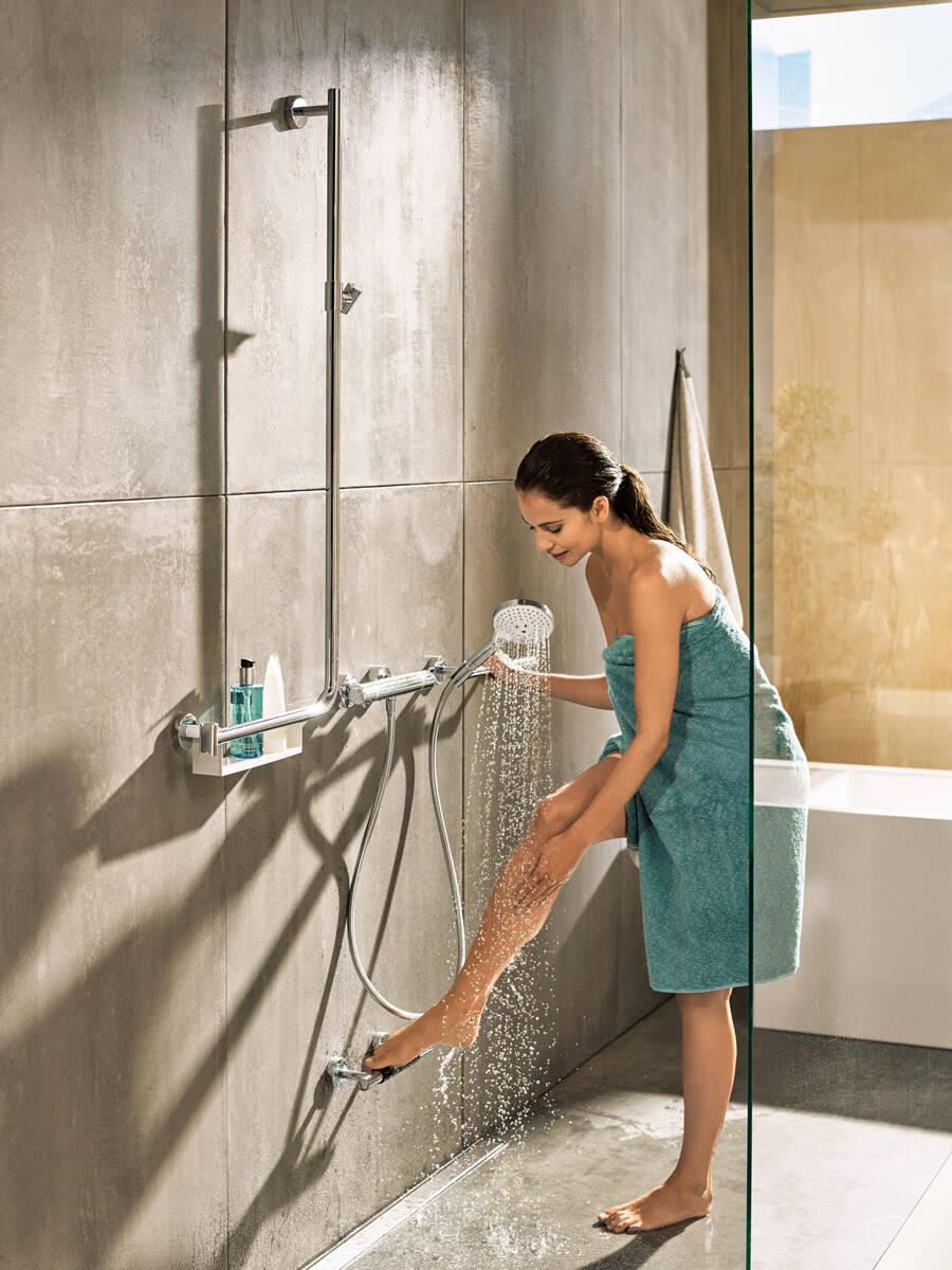 使用汉斯格雅最新消息套装淋浴。