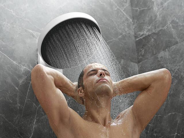 Rainfinity 头顶花洒的汉斯格雅 PowderRain 喷淋形式