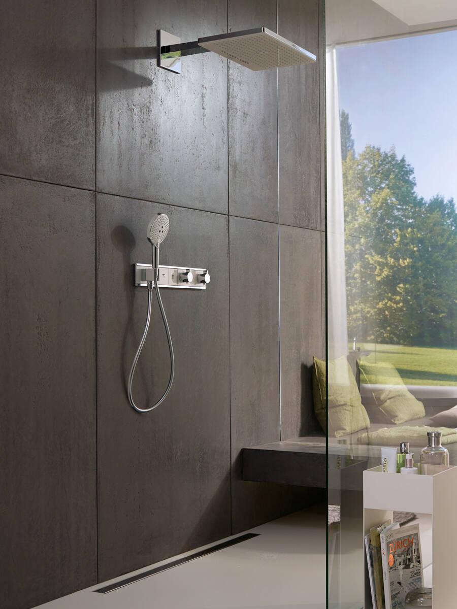具有汉斯格雅 XXL 超大级性能的大尺寸淋浴产品。