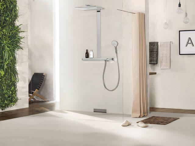 与地面齐平的淋浴房:无隐患的淋浴区。
