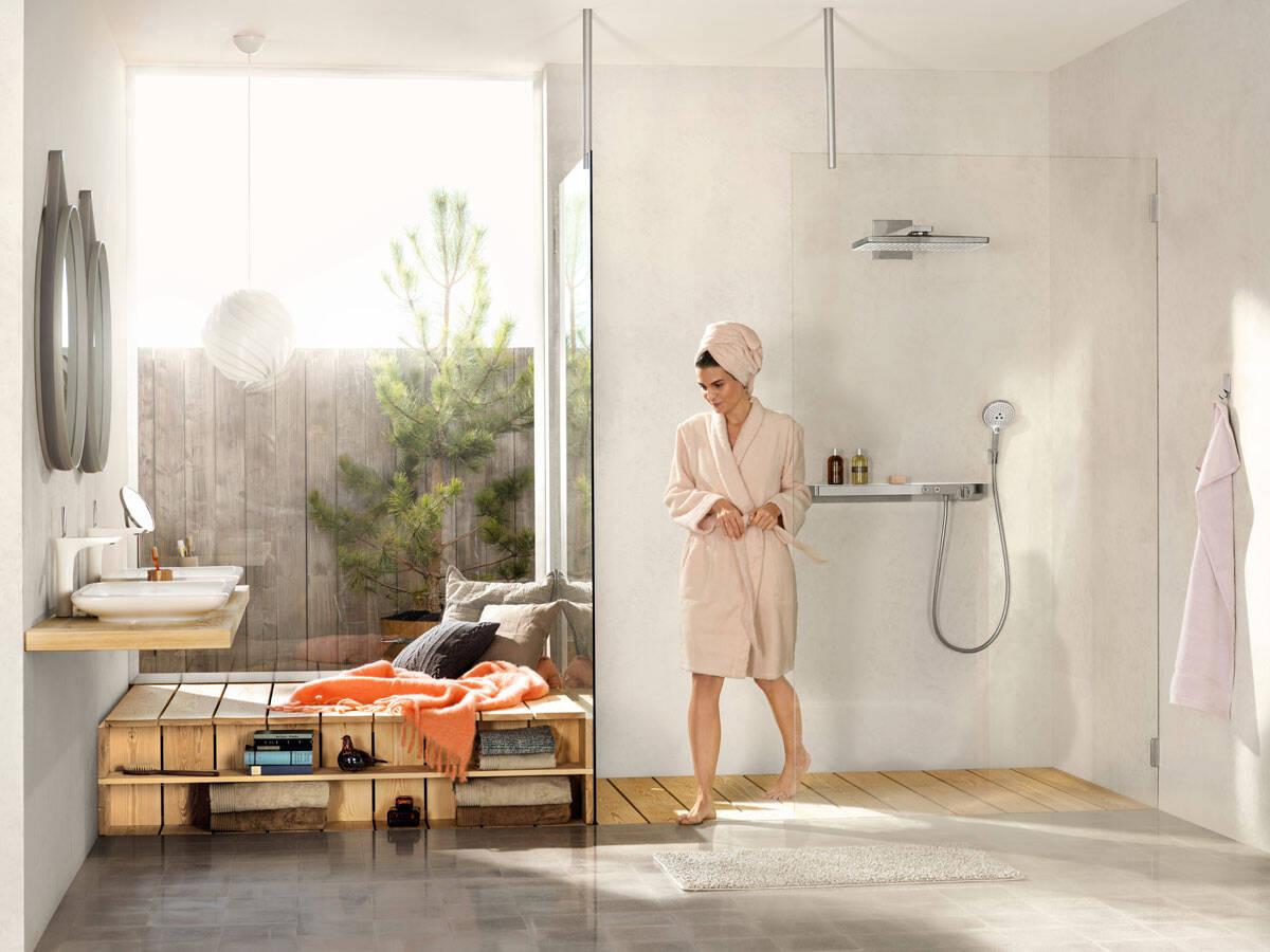 完美的汉斯格雅雨淋式淋浴设备。