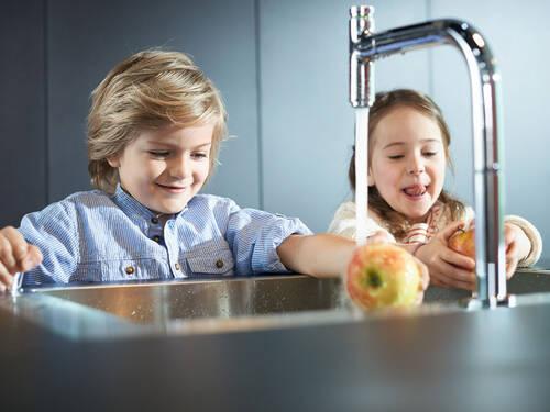 新水槽组合: 便捷亲水体验。