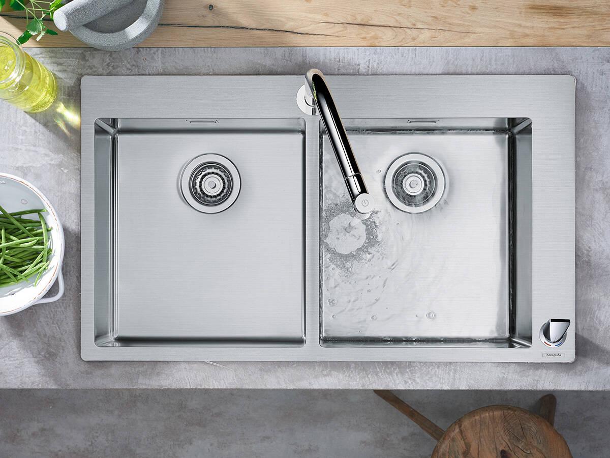 汉斯格雅组合:双盆水槽和龙头。