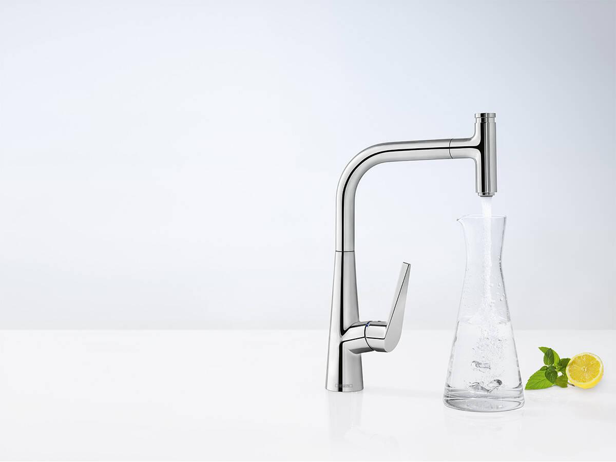 汉斯格雅 ComfortZone 实现向高脚容器便捷注水。