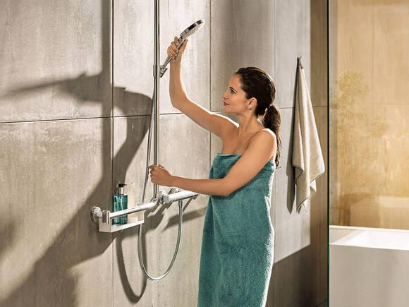 浴室内适合任何年龄的舒适与安全。
