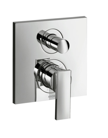 Single lever manual bath mixer for concealed installation with lever handle