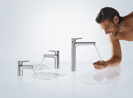Single lever basin mixer 240 with pop-up waste set